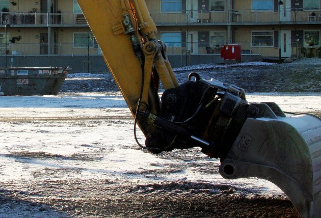 Byggeklar: Tomta øst for glassverkbebyggelsen.                       foto espen vinje