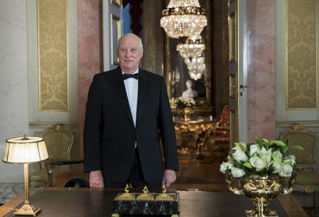 HAR EN VIRKNING:  – Jeg håper at Harald blir minst 100 år og gidder å holde   sånne nyttårstaler hele veien, skriver Øistein Veberg i dagens Apropos helg. Foto:  Berit Roald/NTBScanpix