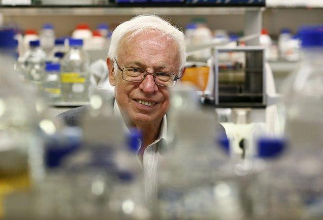 Tomas Lindahl: Nobelprisvinneren fra Sverige gjorde inntrykk på Elisabeth Larsen da hun som fersk doktorgradsstipendiat fikk arbeide med Lindahl på han forskningssenter. Foto: Reuters/NTB SCanpix
