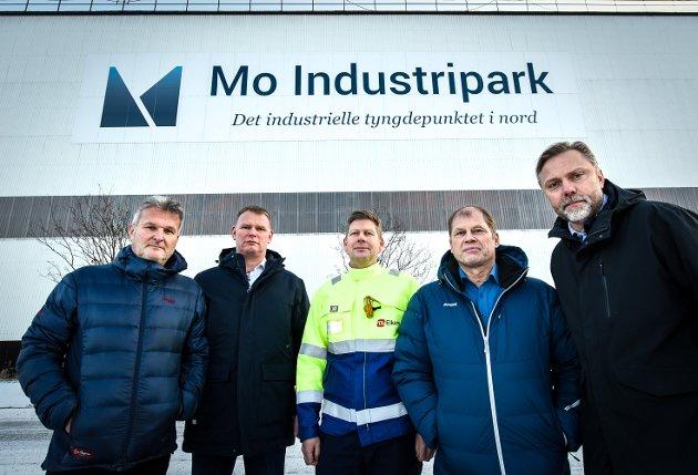 Industriledere i Rana og Mo industripark fortviler over sykehusvedtaket. Gunnar Moe (t.v.), Eigil Dåbakk, Frode Johan Berg, Roar Bustnes og Wiggo Dalmo.. Nå har industriledere i Mosjøen svart på deres leserbrev.