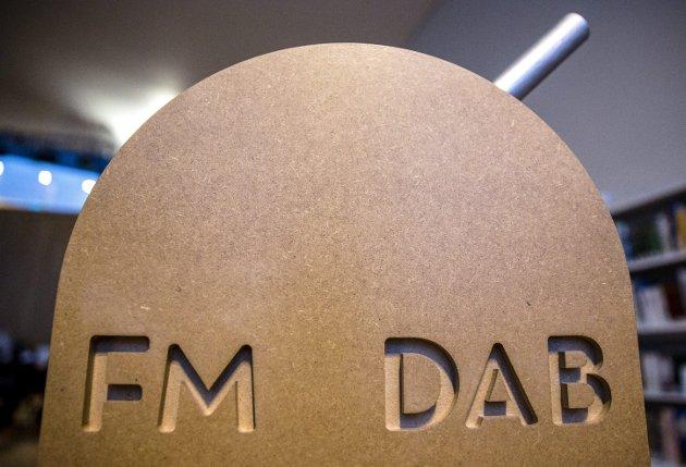 Onsdag slukket NRK FM-signalet i Akershus, og de som nå vil høre på NRK må enten ha en DAB-mottaker, eller høre på over internett. Foto: NTB scanpix