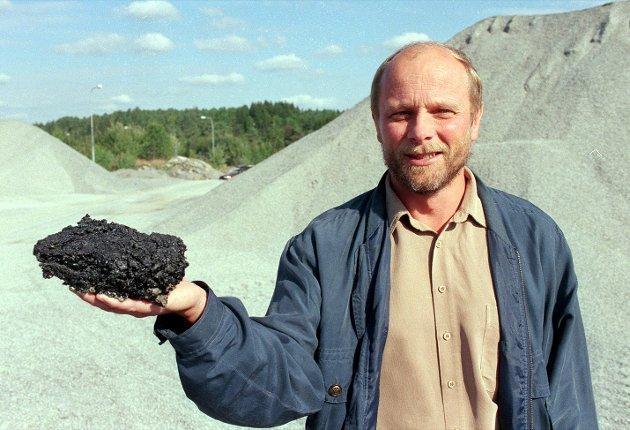 20. september 1999:   Nytt asfaltverk blir etablert på Svingenskogen. Per Puck er daværende styreformann.