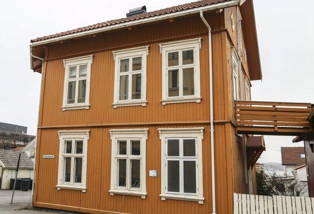 FØR: Slik så huset ut før renoveringen som har pågått i over snart tre år.