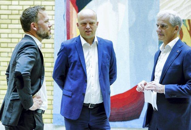 ULV ULV: Det blir spennende å se om disse tre toppolitikerne kan bli enige om ulv. Fra venstre, Audun Lysbakken (SV), Trygve Slagsvold Vedum (Sp) og Jonas Gahr Støre (Ap).