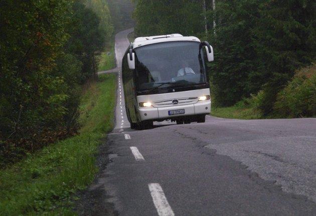 Gardermobussen: Forslaget fra samferdselssjefen om å kutte støtten til flybussen skaper reaksjoner