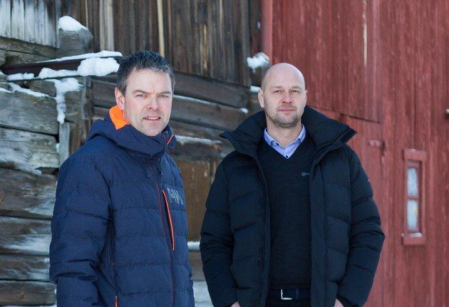 Jo Inge Sund (t.h.), kunderådgiver bedriftsmarked og bærekraftsansvarlig og Hans Arvid Kosberg, avdelingsleder bedriftsmarked, RørosBanken