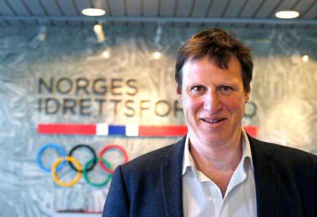 Idrettspresident Tom Tvedt og resten av ledelsen i NIF må ut av banen skal tilliten gjenopprettes.