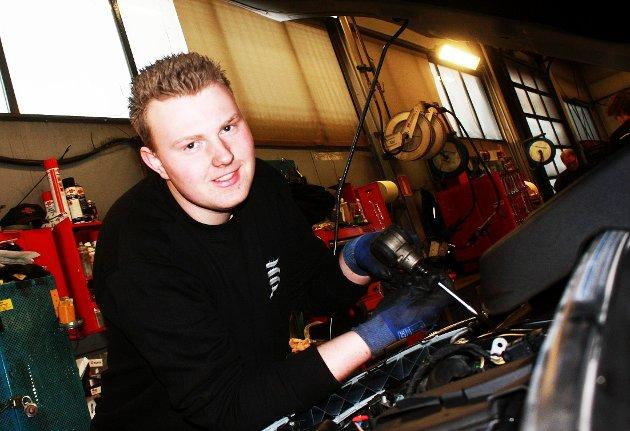 Vil at flere skal følge i denne mannens fotspor, Østfold-mester som lærling i bilfag 2014, Christer Martinsen.