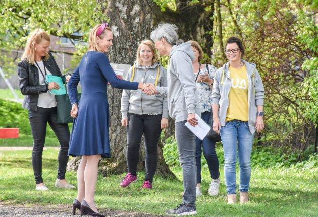 Barne- og likestillingsminister Linda Hofstad Helleland besøker BUA Aktiv