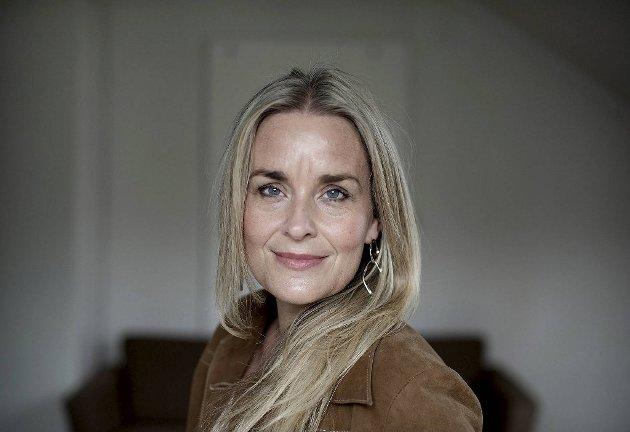Hilde Sandvik (50), journalist og programleder: – Eg tar gjerne vaksinen når den kjem. Det er det einaste eg finn ansvarlig - ikkje først og fremst for meg sjølv, men for andre rundt meg. Eg ser fram til den dagen vi kan vere saman igjen.