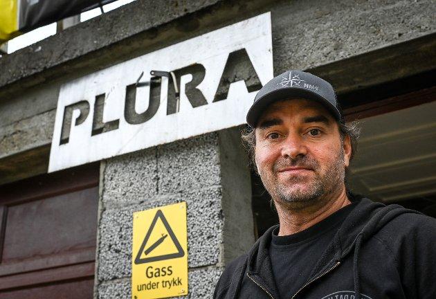Visit Plura og Pluragrotta har besøk av Mikko Paasi, en av cave rescue dykkerne fra Thailand. Ina Therese Trælnes og Jani Santala.