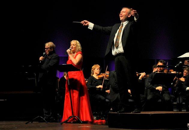 MED STØ HÅND: Både som kunstnerisk leder, akkompagnatør og dirigent har Svein Rustad vært helt sentral i arbeidet med å utvikle MiSKs Kirkefestdager til en festival som blir lagt merke til i både inn- og utland. Bildet er fra åpningskonserten i Hjertnes kulturhus i 2013.