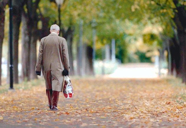 Vår kultur har - i motsetning til mange andre kulturer en - mildt sagt - respektløs holdning til de eldre.