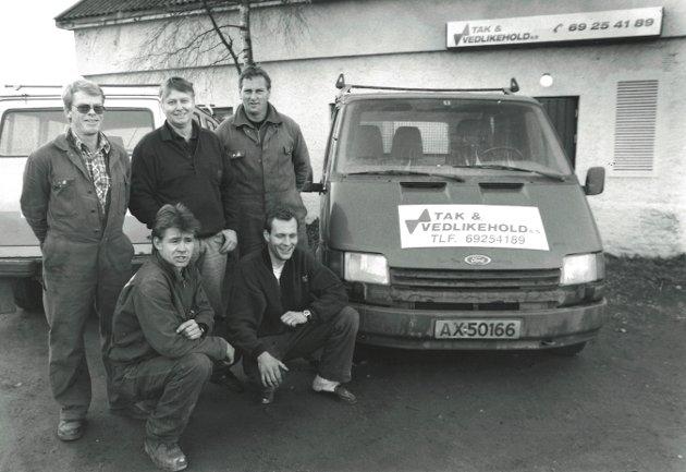 Tak og vedlikehold A/S, Moss, 1993. Bak fra v.: Kai Andreassen, Rolf Fjærli og Frank Hjelkrem. Foran: Richard Olsen og Inge Hanssen.