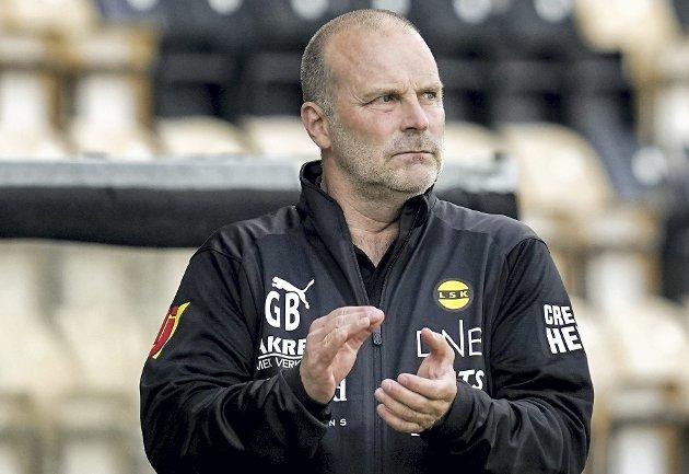 ENDRET: LSK-trener Geir Bakke valgte å bruke en formasjon som laget hans aldri har startet med. Det fungerte. FOTO: NTB scanpix