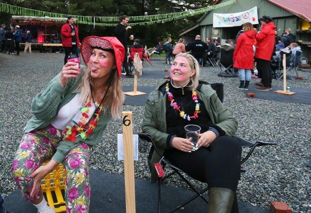 Cathrine Horpestad og Rose-Marie Lea var i kjempehumør på lørdagskvelden.