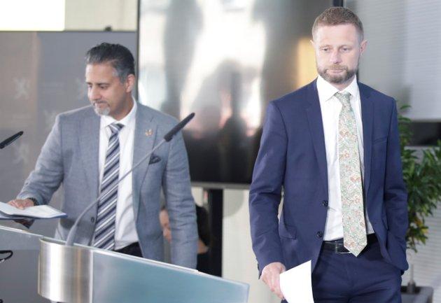 Oslo 20200528.  Helse- og omsorgsminister Bent Høie (H) og Kultur- og likestillingsminister Abid Q. Raja (V) har pressekonferanse om kovid 19. Foto: Vidar Ruud / NTB scanpix