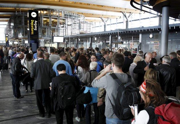 – Hvis alle mennesker er like, hvis alle skal sikres like muligheter, så må vi sky forskjellsbehandling,                    også når det er basert på statistikk, skriver Filip Rygg om Ryanair-sjefens utspill om at muslimske menn bør plukkes ut til ekstra terrorsjekk på flyplassen. Illustrasjonsfoto: NTB/Scanpix