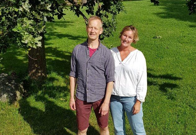 OM VINDKRAFT: Barbro Urke, 1.kandidat Miljøpartiet De Grønne Rakkestad og Frank Vigart Thune Eriksen, 1.kandidat Miljøpartiet De Grønne Sarpsborg
