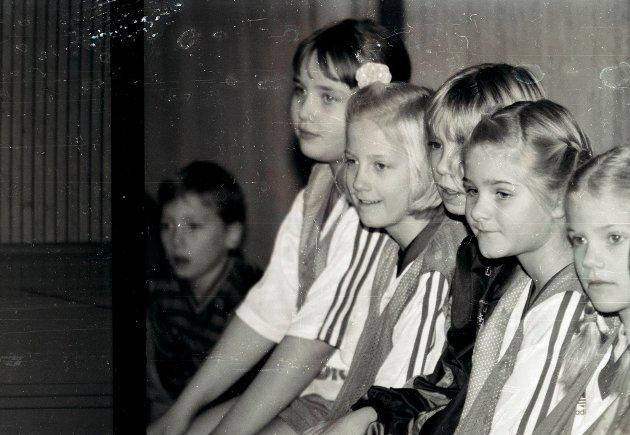 1994: F.v. Linn Solstad Karlsen, Ida Roalseth, Ingunn Knudsen, Benedicte Prebensen Staalesen og Ina Halvorsen.