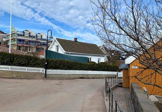 FORSTYRRENDE: De nye boligene overfor Munchs hus påvirker opplevelsen av stedet på en ugunstig måte både for oss som bor her, og de som kommer på besøk, mener Gjert Svanvik.