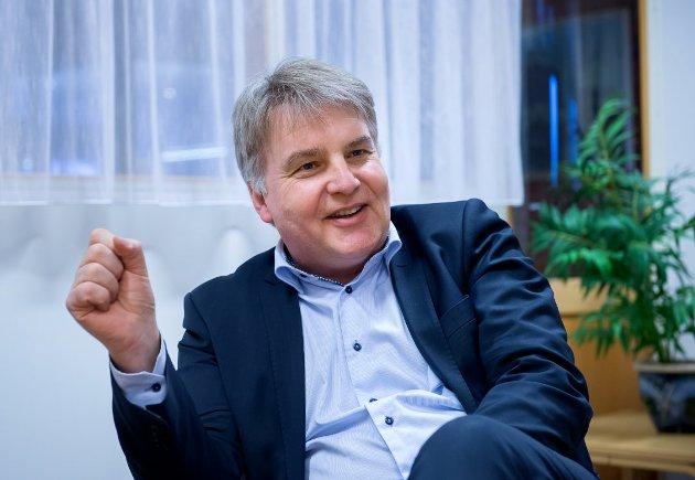 ÅPENHET: Ansvarlig redaktør Erik H. Sønstelie forstår at det er ubehagelig at avisene trykker skattedataene til folk. - Men åpenheten er viktig og med på å sikre tilliten til skattesystemet, mener han.