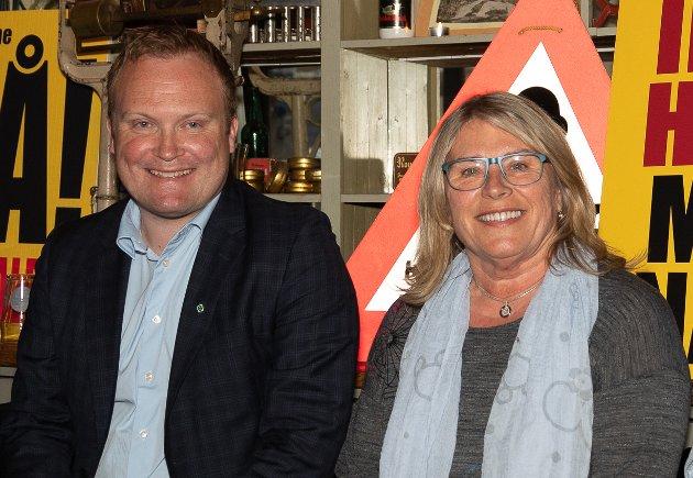 - TYDELIG RESULTAT: Hans-Petter Aasen og Senterpartiet fikk en økning på 15 prosent, mens Kirsten Orebråten og Arbeiderpartiet gikk tilbake 12 prosent.