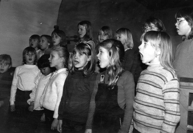 Unge korsangere i Skiptvet i 1982.