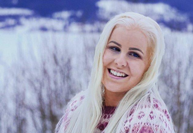 Silje Solvang, Unge Høyre