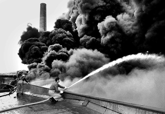I 1981 brenner Brasillageret på Borregaard. En voldsom brann mange fortsatt husker.