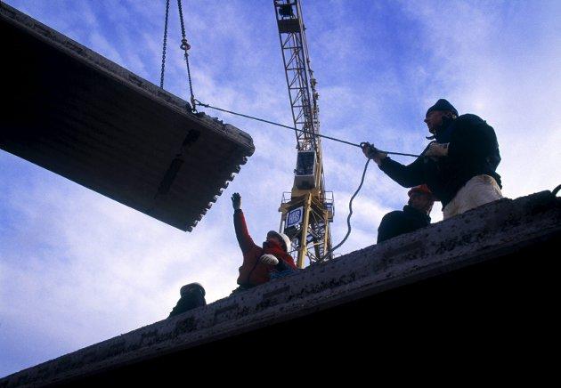 RENERE FORHOLD: Fast ansettelse demper kriminalitet for både norske og utenlandske arbeidere. Foto: Shutterstock