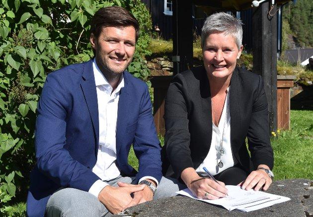 Runar Wiik er styreleder og Inger Grete Lundemo nestleder i styret for den nye SpareBank 1 Nordmøre.