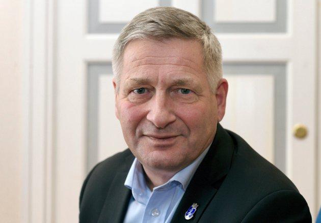SVARER: Ordfører Tore Opdal Hansen svarer på spørsmål stilt i Drammens Tidende.