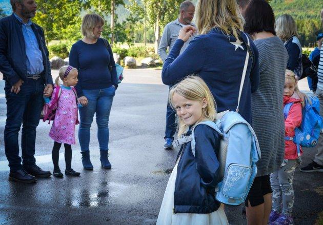 Evina-Elinea Holmbakken Hannevold. Første Skoledag Efteløt skole. Foto: Eigil Kittang Ramstad