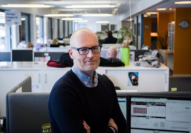VENTETID: ØB-redaktør Martin Gray kritiserer Bane Nor for dårlig arbeid.
