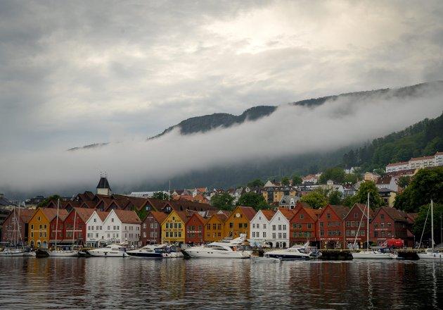 – Faren for tap av verdensarvstatusen er overhengende, skriver Helge Tveit i Stiftelsen Bryggen. FOTO: Kristine Ristesund