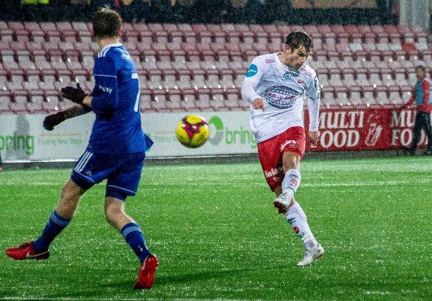Eirik Mæland har spilt 25 av 26 kamper og vært årets FFK-kaptein. Nicolas Berg mener det må være lov å si at forventningene til den tidligere eliteseriespilleren var høyere enn hva som ble levert.
