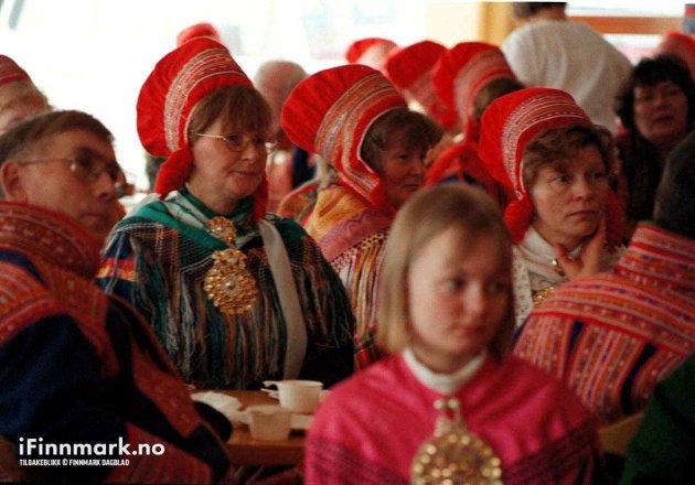 90-TALLET: Bispevisitas av Ola Steinholdt i Kautokeino menighet.