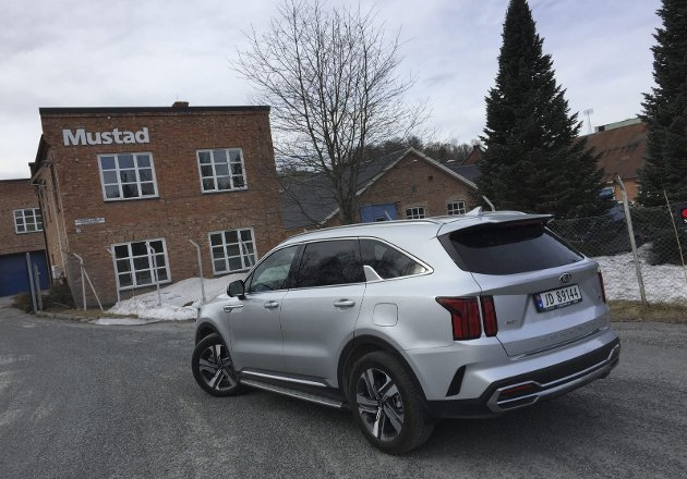 NY APPELL: Stor-SUVen Kia Sorento kommer i ny generasjon også som plug-in-hybrid. Det fører modellen inn i et helt nytt marked.FOTO: ØYVIN SØRAA