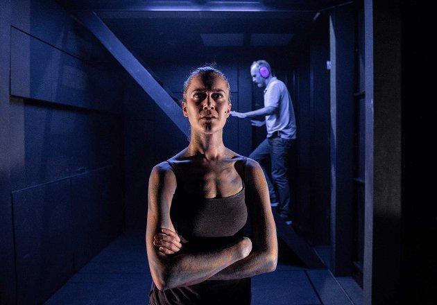 EN MORS KAMP: Julie Moe Sandø og Jon Bleiklie Devik spiller i stykket sammen med Siren Jørgensen og Marianne Krogh. Hovedtemaet er en mors kamp for sin autistiske sønn.