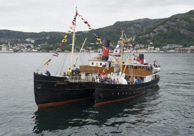 VETERANBÅTAR: Atløy og Stavenes er to av veteranbåtane våre. Foto: arkiv