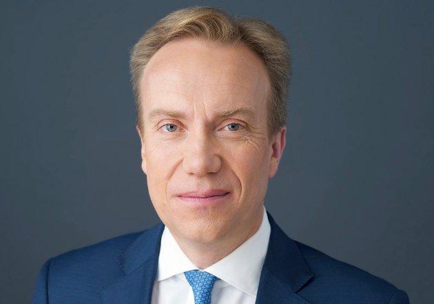 – Børge Brende har, som de langt fleste norske utenriksministre, vært opptatt av å tekkes USA, er kritikken fra Dag Norum og Riita Berger i Norges Kommunistiske Parti.