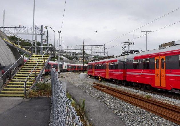 FREMTIDSRETTET: Man må tenke fremtidsrettet når det gjelder hensettingsanlegg for tog, mener Råde ordfører René Rafshol. Her et illustrasjonsfoto fra Moss togstasjon.