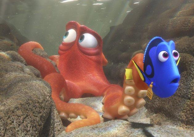 PÅ vei hjem: Blekkspruten Hans er en av hjelperene for å få Dory hjem til foreldrene.Foto: Filmweb