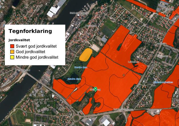 """Gudebergjordet har i følge jordkartlegging """"Svært god jordkvalitet"""". Jørgen Skjelin Karstensen, leder for Borge Bondelag, driver Gudebergjordet og kan bekrefte dette."""