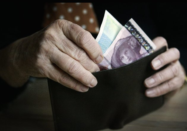 Noe å rutte med: –  For å kunne løse denne pensjonsutfordringen mener vi det er nødvendig med et samordnet tariffoppgjør, der LO forhandler på vegne av HK og alle de andre forbundene i LO. Dette gjelder alle og derfor løses det best i fellesskap, skriver Bjørn Mietinen. foto: scanpix