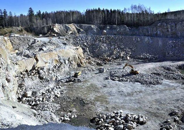 Borgerlige politikere sier unisont nei til lagring av radioaktivt avfall i Borge Pukkverk.