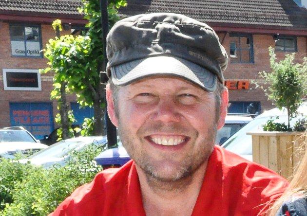 Lars Erik Sundmark, leder, Gran jente- og guttekorps