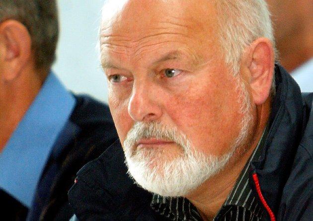 LITE Å JUBLE FOR: Både Arbeidarpartiet og Senterpartiet har sprunge frå løfta sine når det gjeld å gje pensjonistane ei økonomisk handsrekking i år, konstaterer Åge Starheim.