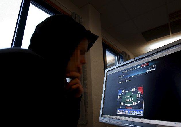Arbeiderpartiet og KrF vil stoppe utenlandske gamblingselskaper som gir blaffen i loven og jakter på norske spillere.